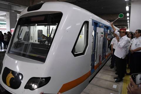 Kereta Api Bandara Stasiun Manggarai Resmi Beroperasi
