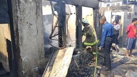 Ratusan Orang Terdampak Kebakaran di Taman Sari