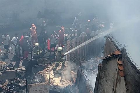 Kebakaran Landa Permukiman di Taman Sari