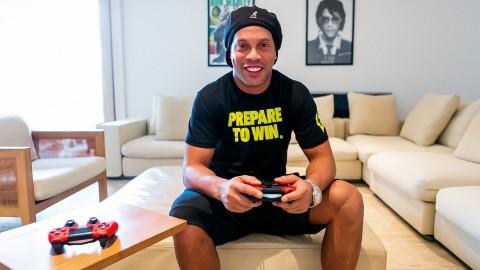 Ronaldinho Berencana Bentuk Tim Esports