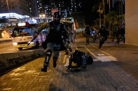 Hong Kong Wacanakan Batasi Akses Internet