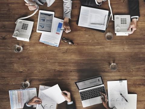 Empat Cara Cerdas Sebelum Gunakan Layanan <i>Fintech</i>