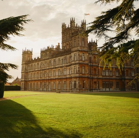 Sensasi Menginap di Kastil Serial Downton Abbey