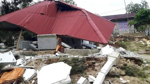 Maluku Quake Death Toll Reaches 39