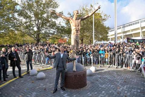 Patung Zlatan Ibrahimovic Berdiri Gagah di Malmo