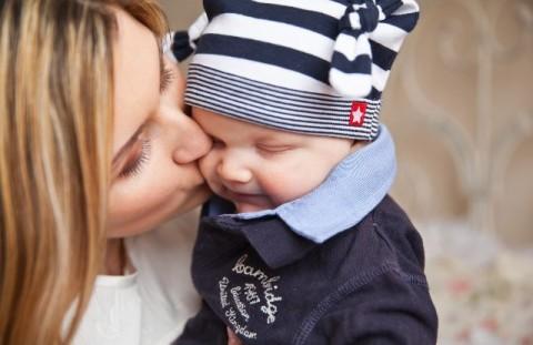 Efek Positif Menyanyikan Bayi Anda