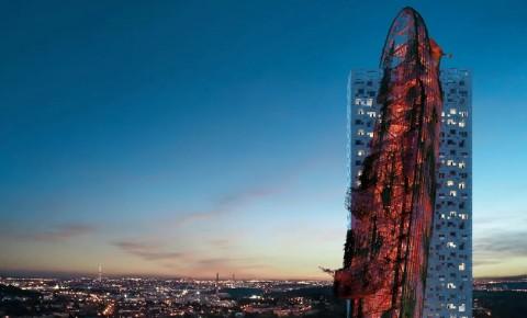 Top Tower, Gedung yang 'Ditabrak' Kapal