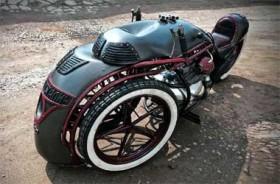 Motor Ini Dibangun Terinspirasi Kereta Uap Uni Soviet