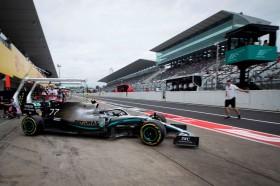 Mercedes Dominan, Bottas Kuasai Sesi Latihan Bebas Pertama