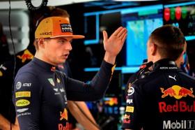 Red Bull Disebut Belum Selevel Mercedes
