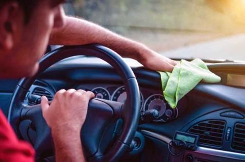 Kenali Penyebab Bau Tak Sedap yang Muncul di Kabin Mobil