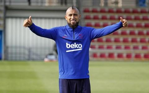 Barcelona Ingin Buang Vidal dan Rakitic