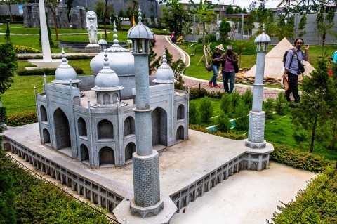 Kunjungi Taman Miniatur Dunia di Mini Mania Cimory Semarang
