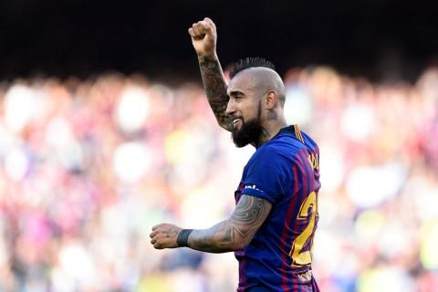 Penasaran Gelar Liga Champions, Vidal Ogah Tinggalkan Barcelona