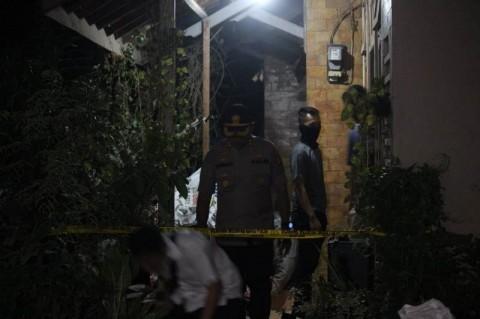 Polisi Kembali Geledah Rumah Terduga Teroris di Cirebon