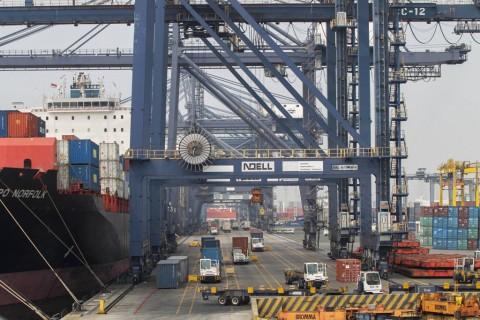 Impor September Naik Tipis ke USD14,26 Miliar