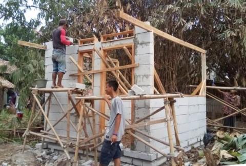 Mang Akol Tidak Lagi Tinggal di Gubuk Reyot
