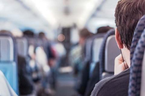10 Makanan yang Perlu Dihindari saat di Pesawat