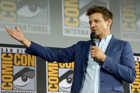 Aktor Pemeran Hawkeye Hadapi Tuduhan Kekerasan pada Mantan Istri