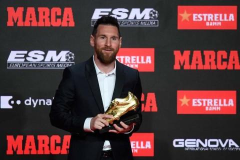 Messi Gondol Sepatu Emas