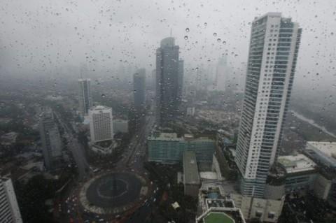 Sebagian Jakarta Diguyur Hujan Malam Hari