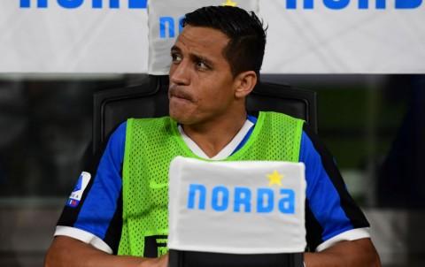 Naik Meja Operasi, Sanchez Terancam Absen Tiga Bulan