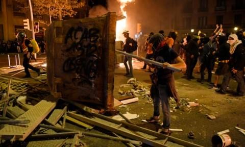 Barcelona Dihadapkan Pada Aksi Massa yang Beringas