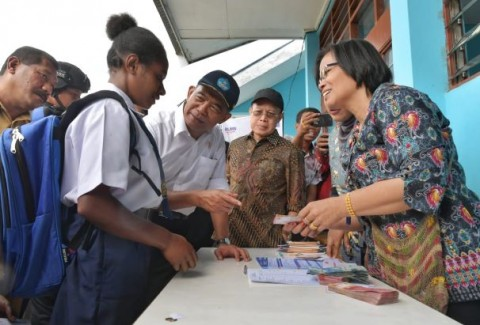 Rehabilitation of Damaged Schools is a Priority in Wamena: Minister