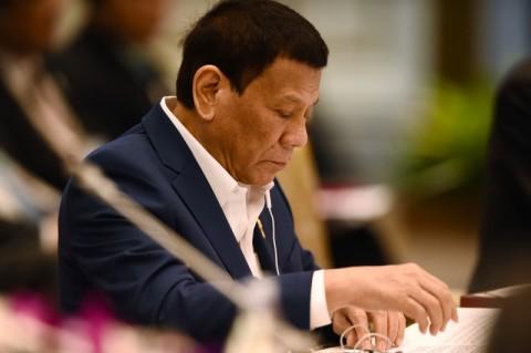 Presiden Filipina Terluka dalam Kecelakaan Sepeda Motor