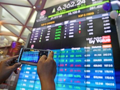 Pasar Menunggu <i>Jokowi Effect</i>