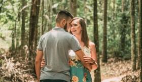 Cara Curhat tentang Hubungan Tanpa Menyakiti Pasangan