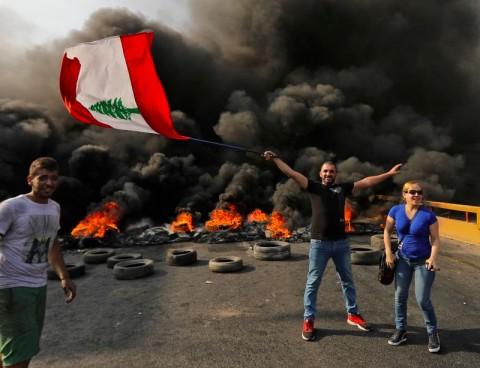 WhatsApp Dipajak Picu Kerusuhan di Lebanon