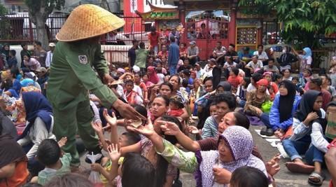 Sedekah Melibatkan Massa Diimbau Tak Dilakukan di Jalan