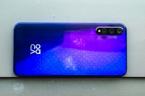 Huawei Nova 6 Bakal Punya Model 5G?