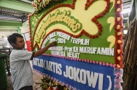 Ratusan Karangan Bunga Selamat Presiden Penuhi Halaman Grahadi