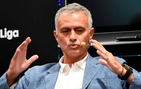 Kritik Permainan MU, Klopp Disindir Mourinho