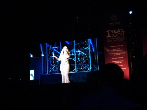 Mariah Carey Ajak Anak Kembarnya Nyanyi di Panggung Dubai