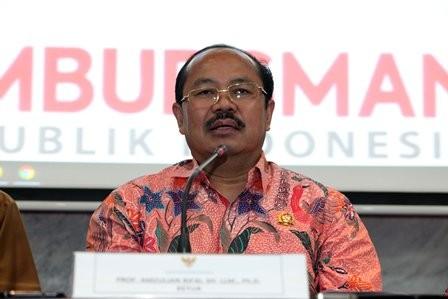 Penggunaan Bahasa Indonesia di Ruang Publik Memprihatinkan