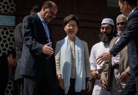 Masjid Disiram Meriam Air, Pemimpin Hong Kong Minta Maaf