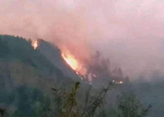 Gunung Lompobattang di Gowa Terbakar