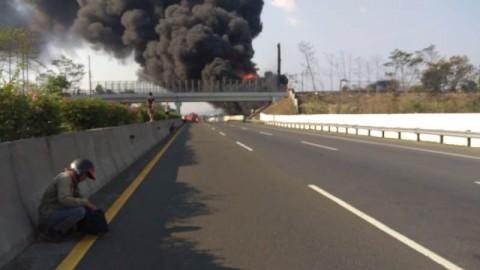 Pipa Terbakar, Pertamina Pastikan Pasokan BBM Aman