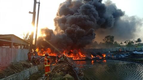 Kebakaran Pipa Pertamina Padam