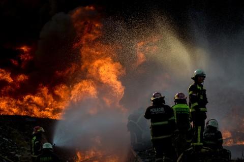 TKA Tiongkok Tewas dalam Kebakaran Pipa Pertamina di Cimahi