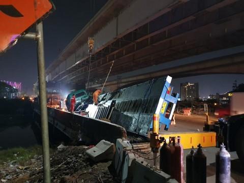 Kemacetan Mengular 31 Km di Tol Jakarta-Cikampek