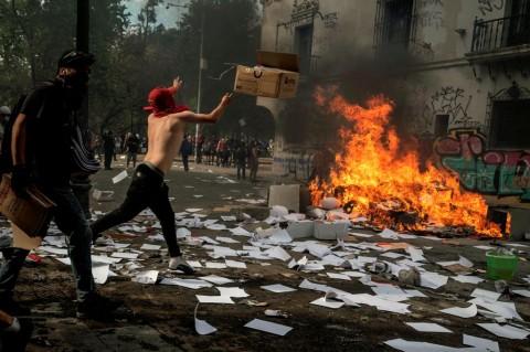 15 Orang Tewas dalam Kerusuhan Chile
