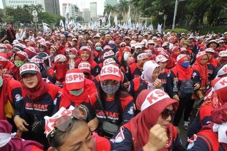 Upah Minimum Jawa Tengah Naik Rp136 Ribu