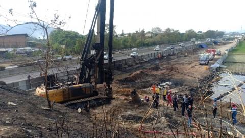 Pertamina Masih Sedot Minyak Sisa Kebakaran Pipa di Cimahi
