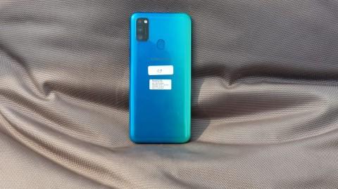 Samsung Belum Pasang Reverse Charging di Ponsel Menengah