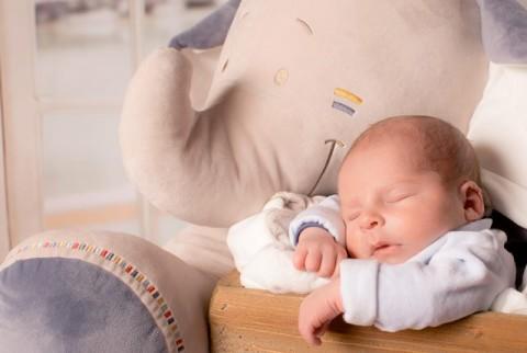Manfaat Penundaan Pemotongan Tali Pusat Bayi