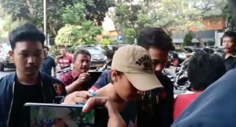 DPO Kasus Ninoy Karundeng Menyerahkan Diri